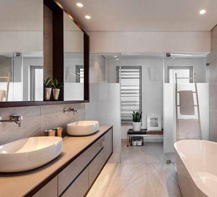 גופי תאורה באמבטיה