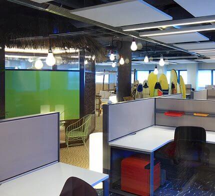 מנורות תקרה בפרויקט תאורה במשרדי גוגל חיפה