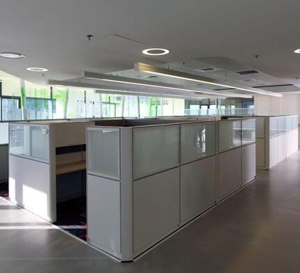 מנורות תקרה למשרד קבלה בפרויקט תאורה במשרדי מייקרוסופט