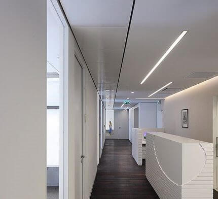 פרופיל תאורה בפרויקט תאורה במשרד עו