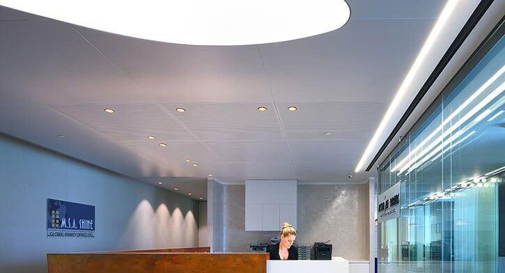מנורות תקרה בפרויקט תאורה במשרד עו