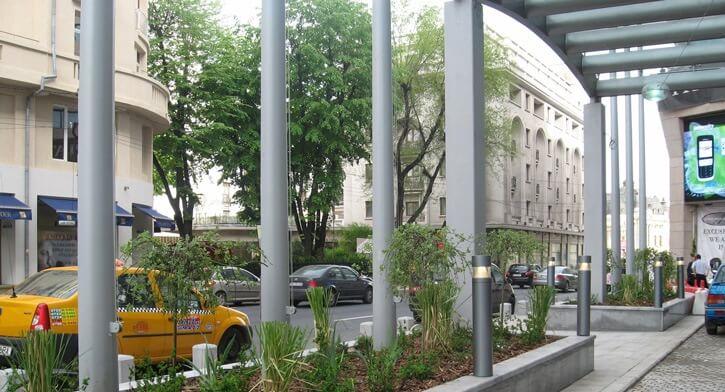 תאורה לגינה בפרויקט תאורה במלון רדיסון בוקרשט