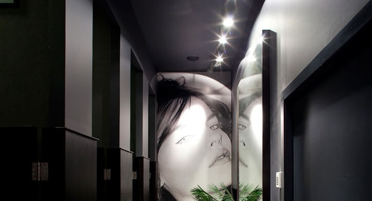 מנורות שקועי תקרה בפרויקט תאורה ברשת חנויות אופנה TNT