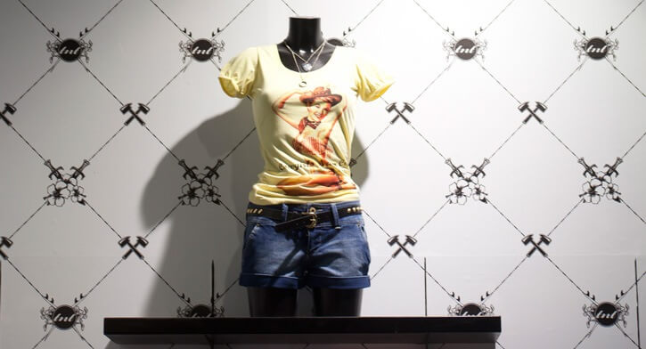מנורות קיר בפרויקט תאורה ברשת חנויות אופנה TNT