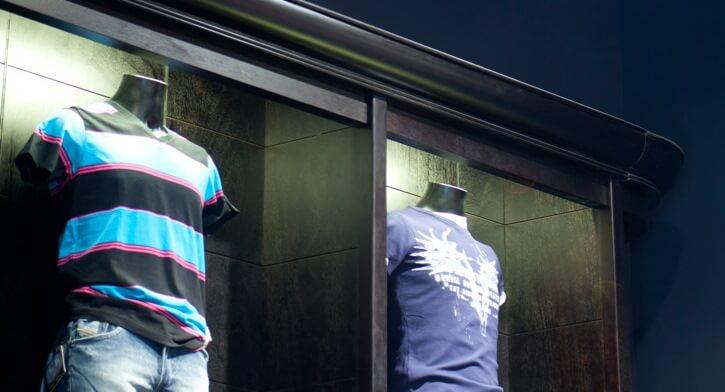 גופי תאורה צמודת קיר בפרויקט תאורה ברשת חנויות אופנה TNT