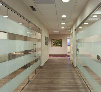 גופי תאורה לפרוזדור בפרויקט תאורה במשרדי ארגנטולס