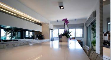 תאורה למטבח בפרויקט תאורה לבית ברמת אביב