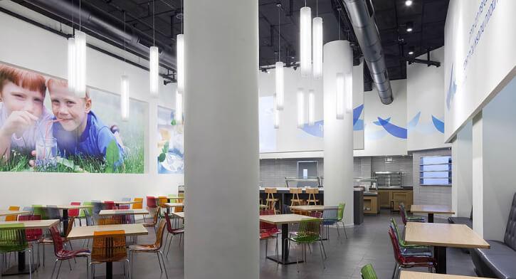 מנורות תליה בפרויקט תאורה במשרדי שטראוס מים