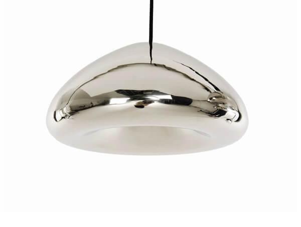 מנורות תליה דגם VOID של מותג תאורה בינלאומי Tom Dixon