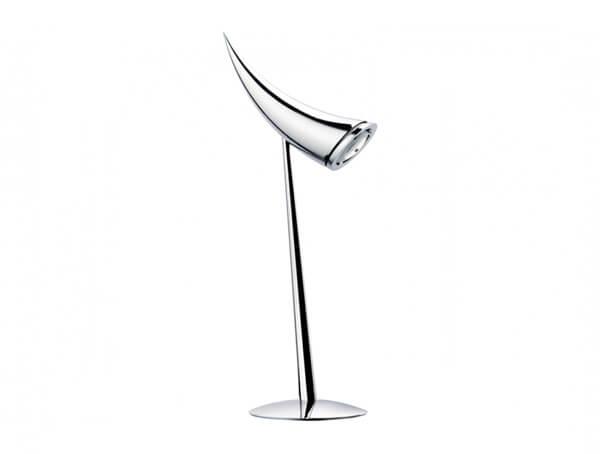 מנורות שולחן דגם ARA של המותג הבינלאומי לגופי תאורה flos
