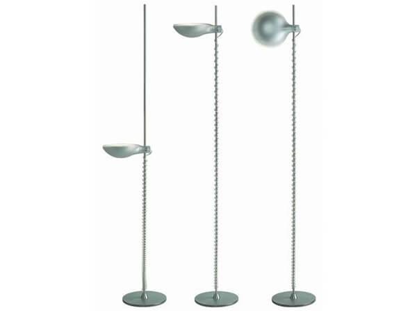 מנורות עומדות דגם LUXMASTER של המותג הבינלאומי לגופי תאורה flos כסוף