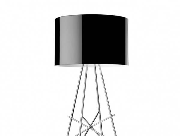 מנורות עומדות דגם RAY F של המותג הבינלאומי לגופי תאורה flos שחור
