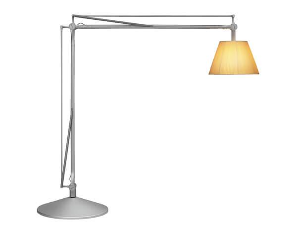 מנורות עומדות דגם SUPER ARCHIMOON של המותג הבינלאומי לגופי תאורה flos