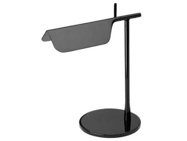 מנורות שולחן דגם TAB T של המותג הבינלאומי לגופי תאורה flos שחור