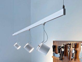 ספוטים לפסי צבירה דגם lightlight-tube של המותג לגופי תאורה flos