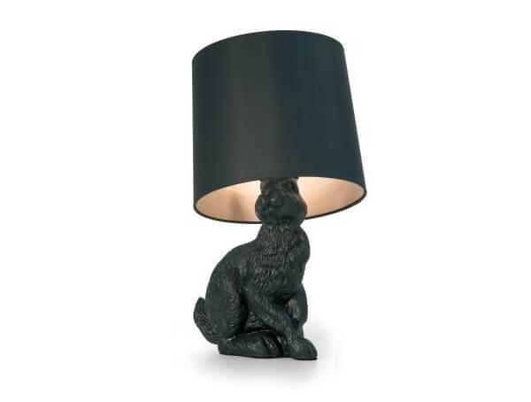 מנורות שולחן שחור