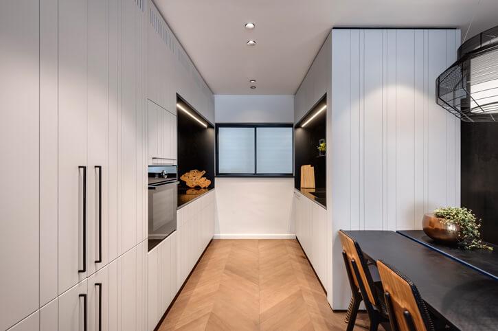 גופי תאורה למטבח בפרויקט קושמירסקי אדריכלים
