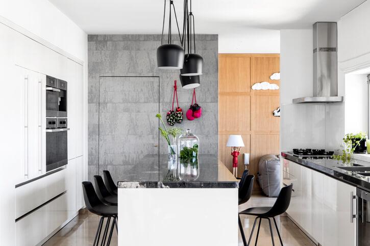 מנורות לפינות אוכל בפרויקט לוי חמיצר אדריכלים