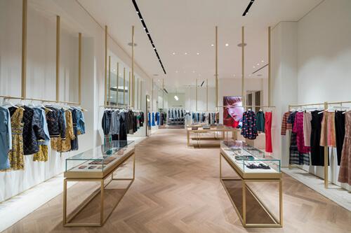 מנורות תקרה לחנויות אופנה