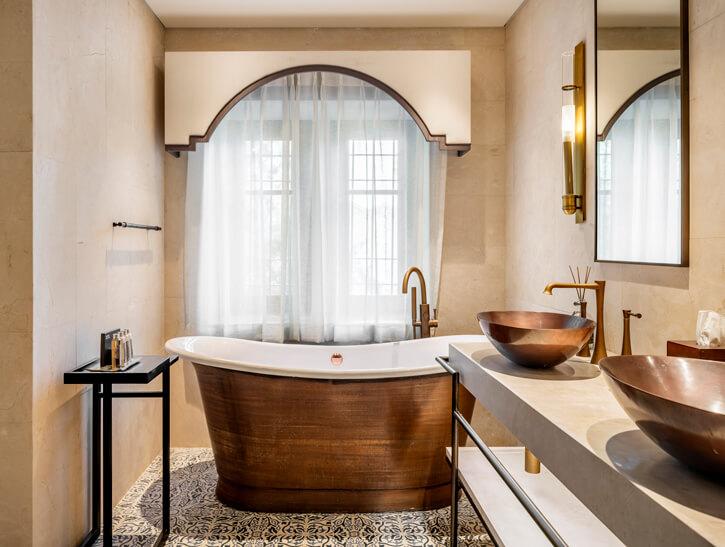 תאורה לחדרי רחצה בפרויקט מלון אוריינט