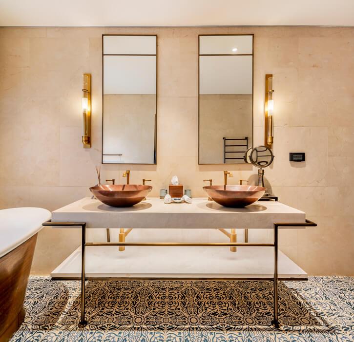מנורות לאמבטיה בפרויקט מלון אוריינט