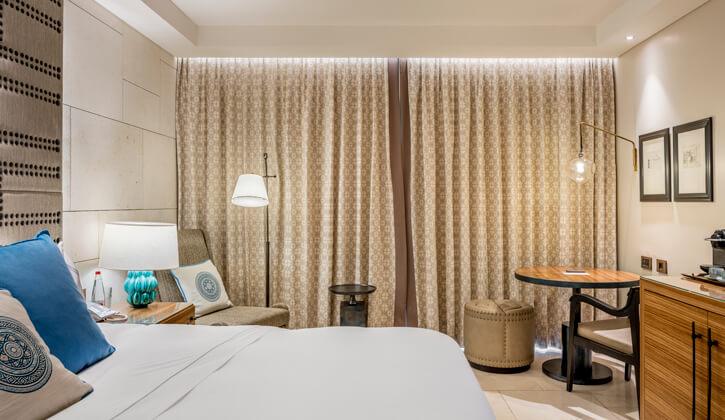 גופי תאורה תלויים בפרויקט מלון אוריינט