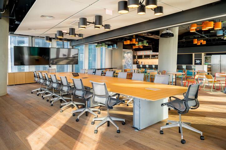 גופי תאורה צמודי תקרה בפרוייקט נילסן