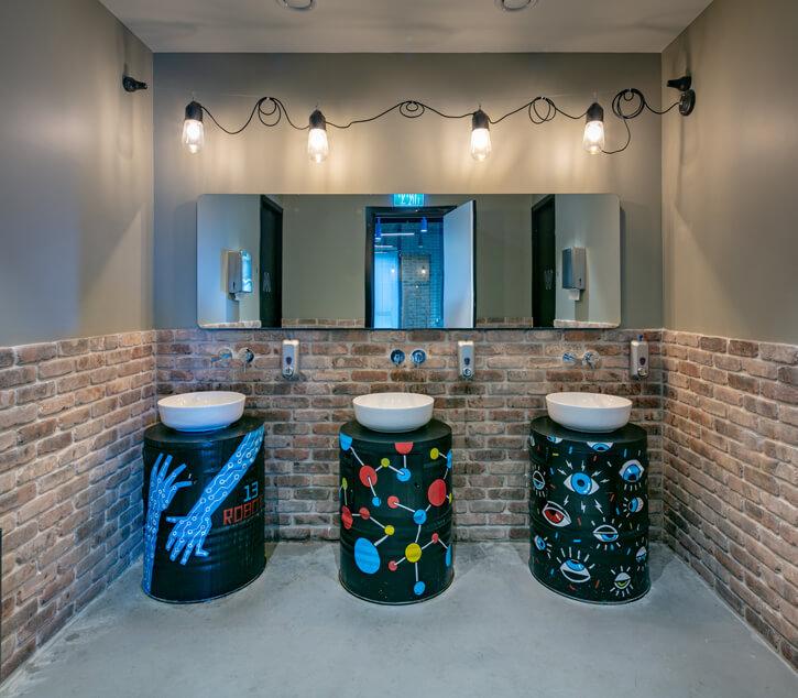 תאורה לחדרי אמבטיה לפרוייקט סייבר רייזן